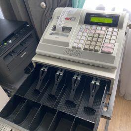 Naudotas ELCOM Euro-2000T Alpha su stalčiuku pinigams (2 vnt.)